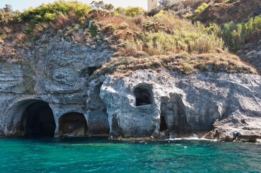 grotte di pilato ponza gaeta taxi service